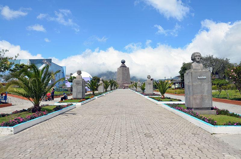 Monumento da metade do mundo