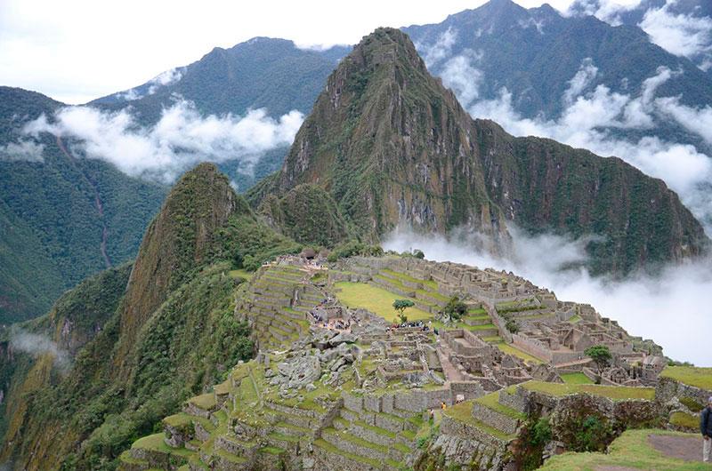 Machu Picchu com céu aberto